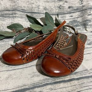 Naturalizer Bow & Woven Brown Slingbacks Size 7